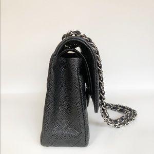 CHANEL Bags - ❌SOLD❌Chanel Classic M/L Caviar Flap Bag w/ SHW